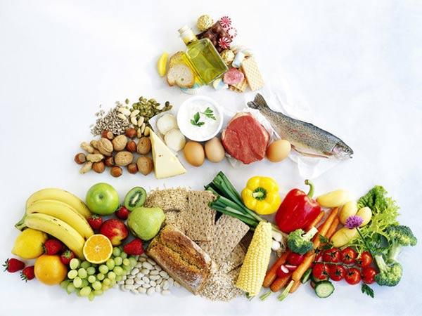 Cung cấp đầy đủ dinh dưỡng để ngăn ngừa đau khớp gối ở người trẻ tuổi